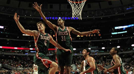 Milwaukee Bucks to relocate if no new arena by 2017.