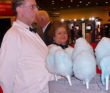 free-cotton-candy-for-passers-by-from-huron-consulting-group-750x637