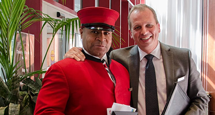 "Marriott City Center's George Glover Receives Meet Minneapolis' ""Hospitality Hero"" Award"