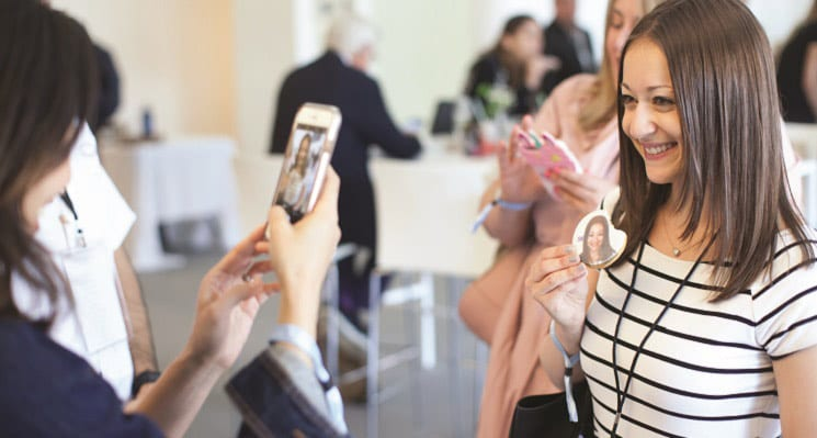 Tradeshow Strategies/Giveaways: Edible Selfies Bring Smartphones, Social Media & Food Together