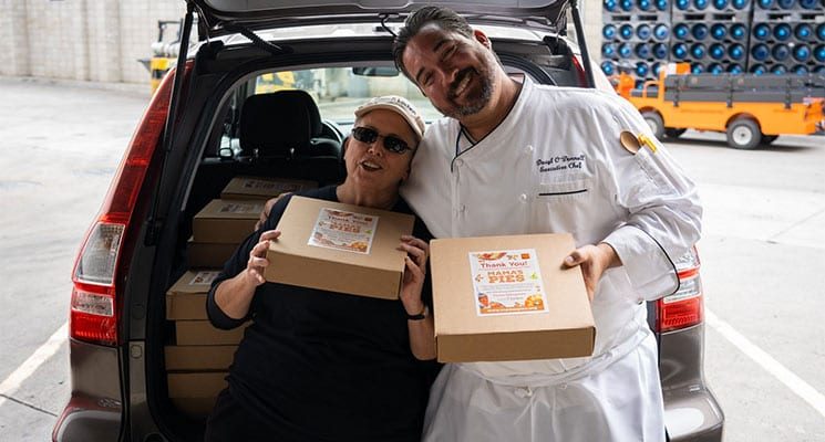 Centerplate at San Diego CC Donates 100 Pumpkin Pies