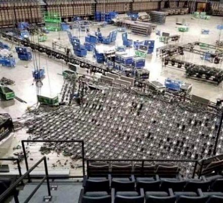 Rigging-world-Mandalay-Bay-video-wall-collapse-backside-view