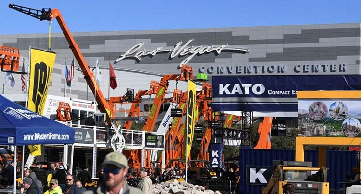 Convention Attendance Boosts Las Vegas Visitor Record