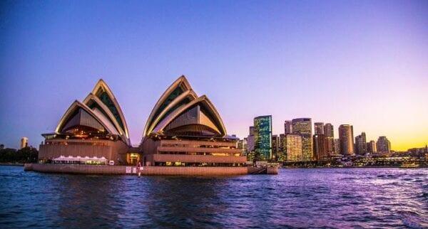 Australia Goes Virtual